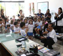 Educação infantil presenteia Atef